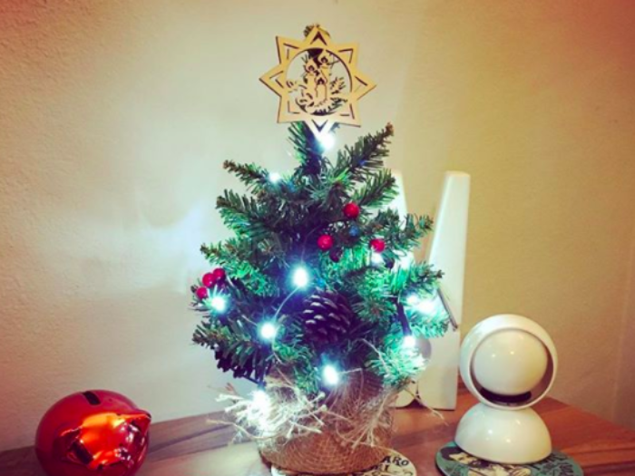 9 super cute christmas decorations for a small apartment - Small Christmas Decorations